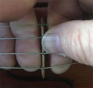 change violin strings