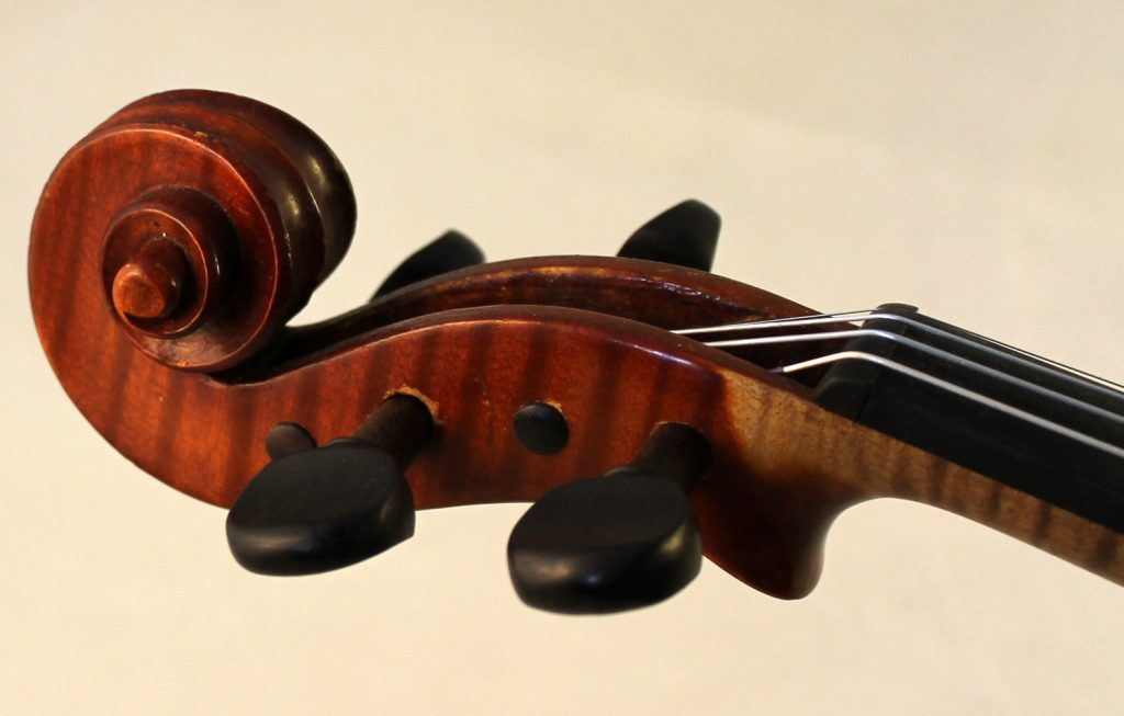 Ludwig Paganini violin scroll